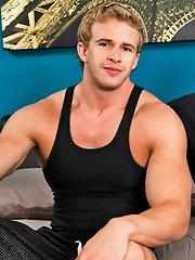 Sexy guy - James Jamesson::Cameron Foster