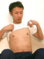 1straight Japanese guy Hiroshi jerking off and cumming